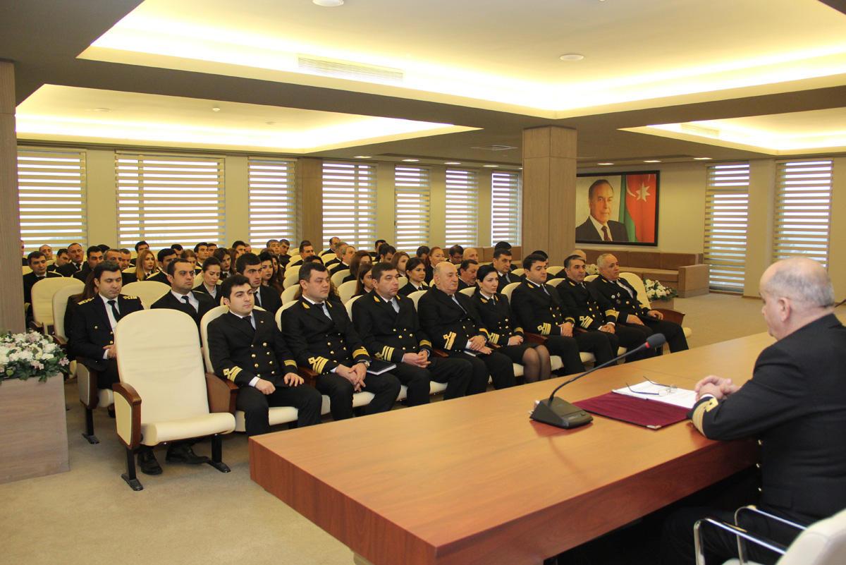 Dövlət Dəniz Administrasiyasında 20 Yanvar şəhidlərinin xatirəsi yad edilib  (FOTO)