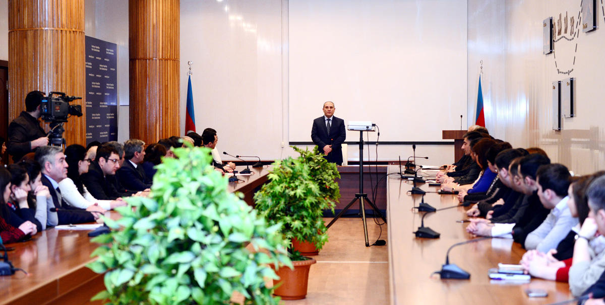 Dövlət Statistika Komitəsində 20 Yanvar faciəsi ilə bağlı anım mərasimi keçirilib  (FOTO)