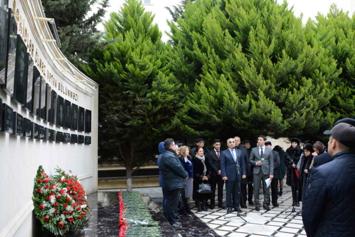UNEC 20 Yanvar şəhidlərini ehtiramla yad edib (FOTO)