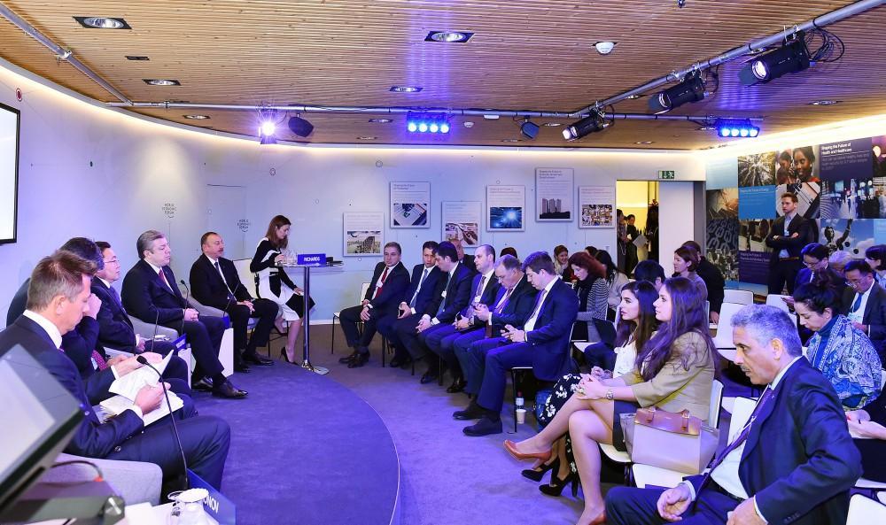Prezidenti İlham Əliyev: İpək Yolu təkcə şirkətləri, ölkələri yox, həm də insanları birləşdirəcək (FOTO)
