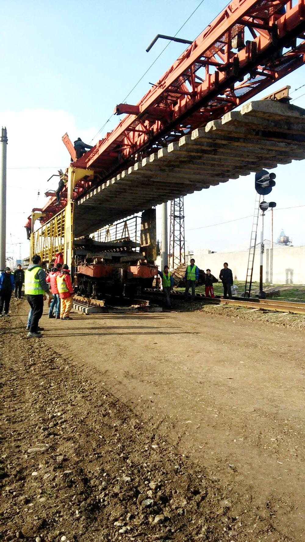 Böyük Şor-Sabunçu mənzilində 5,3  km dəmir yolu əsaslı təmir olunur (FOTO)