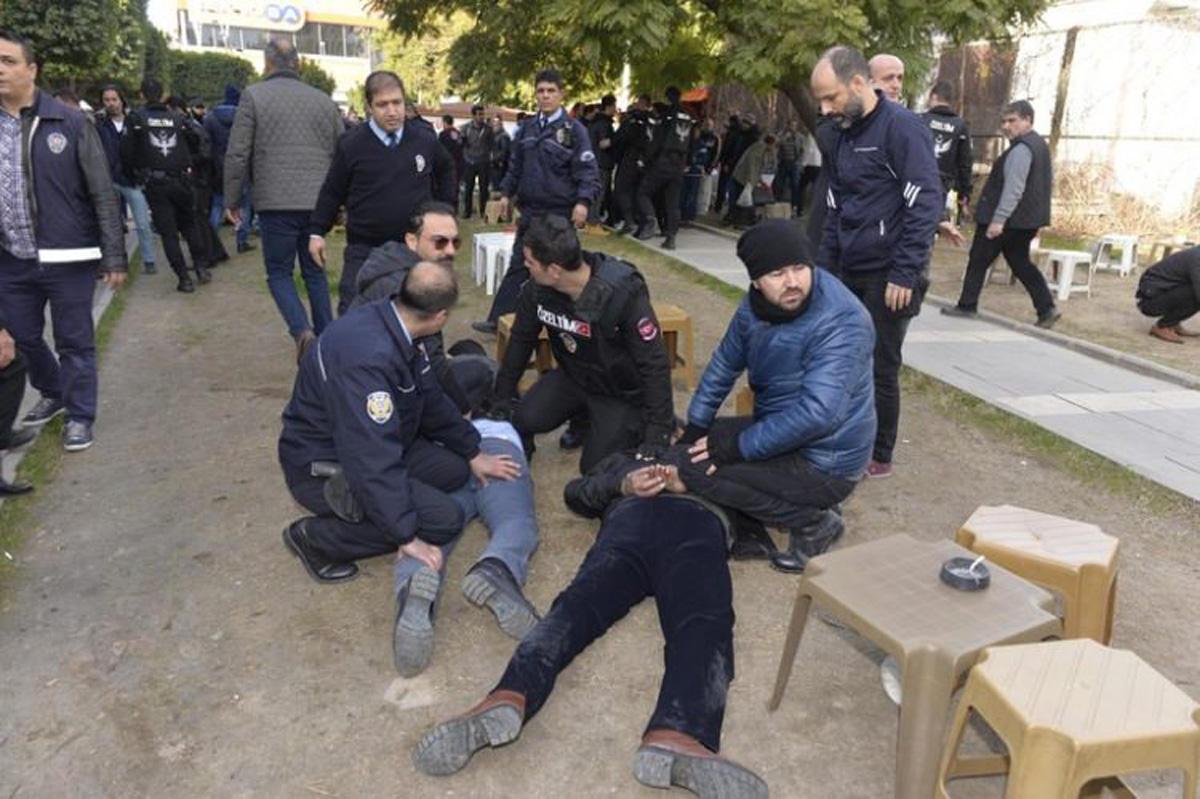 Türkiyədə atışma: 4 yaralı (FOTO/VİDEO)