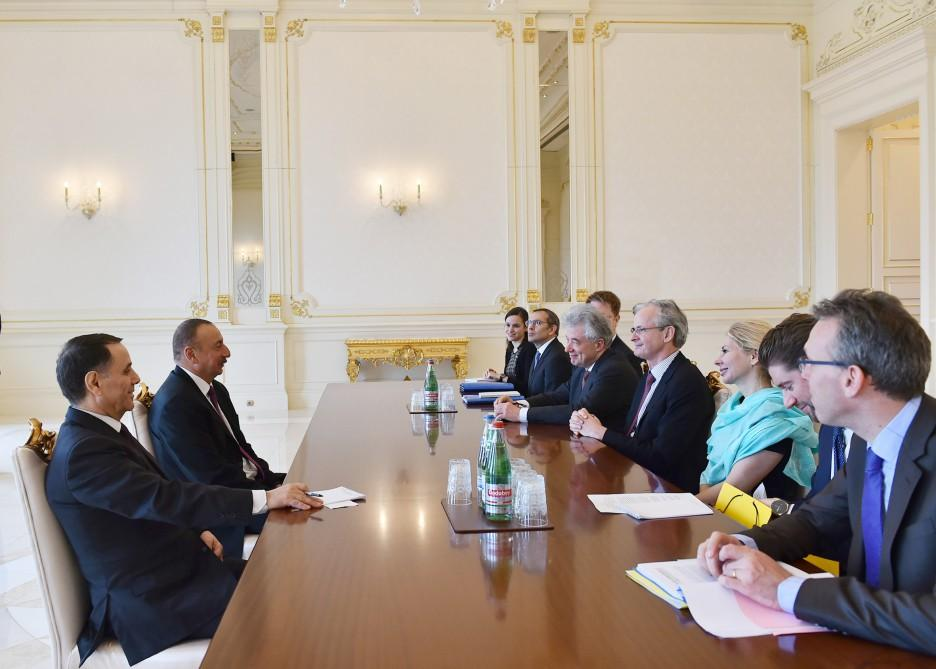 Prezident İlham Əliyev Avropa Komissiyasının Avropa Qonşuluq Siyasəti üzrə baş direktorunu qəbul edib (FOTO) (YENİLƏNİB)
