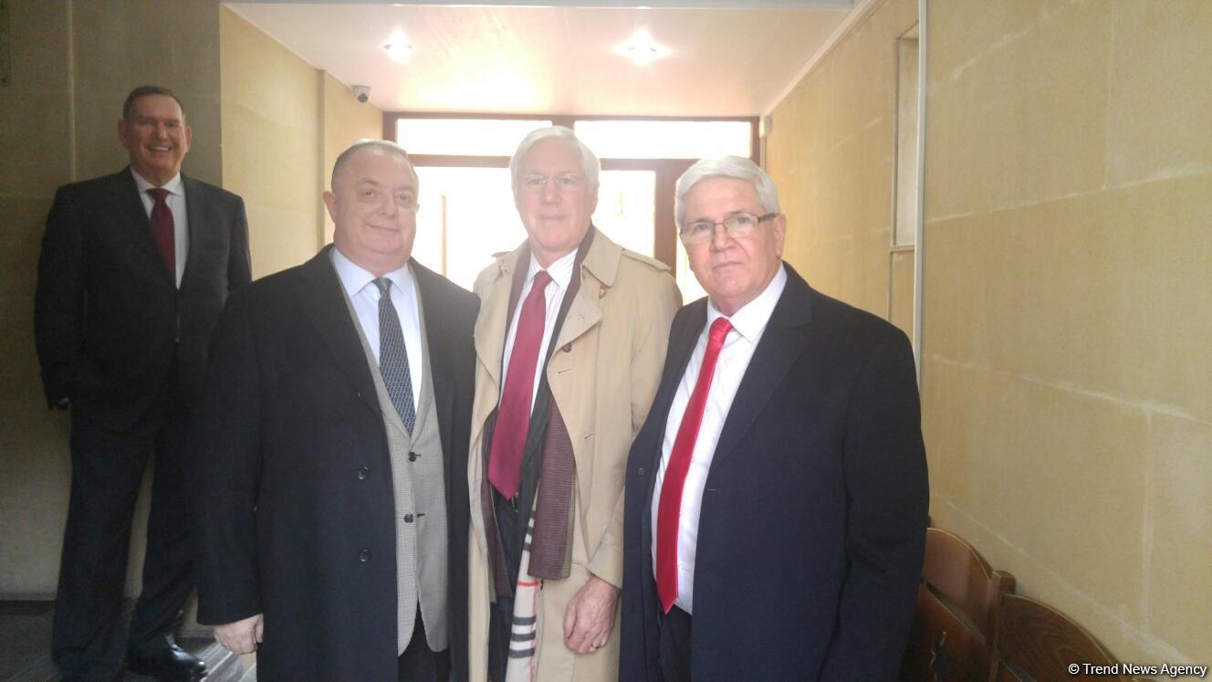 Amerika Yəhudi Komitəsinin prezidenti və icraçı direktoru Bakıda sinaqoqu ziyarət edib (FOTO)