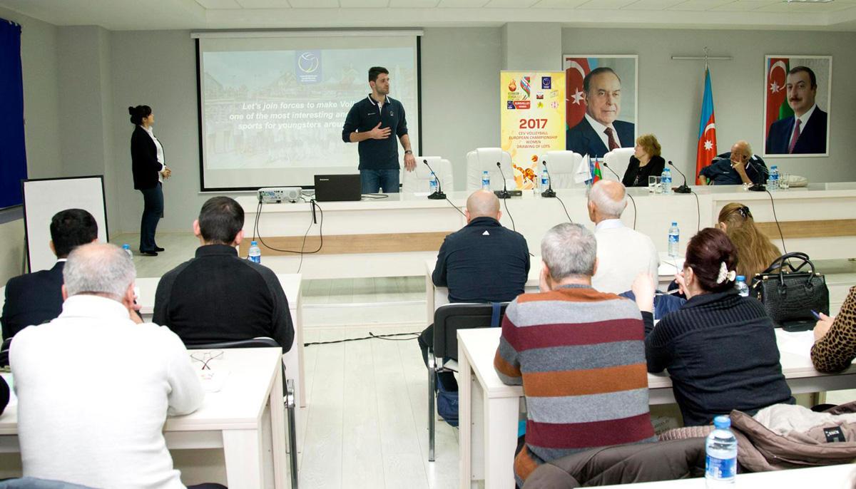 Fiziki tərbiyə müəllimləri üçün seminar keçirilib (FOTO)