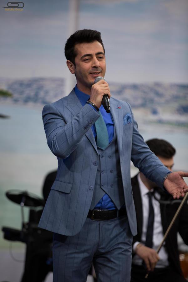 """Fira canlı efirdə rəqqasə Renkaya """"papito"""" oynatdı (VIDEO/FOTO)"""