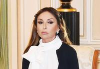 По поручению президента Фонда Гейдара Алиева Мехрибан Алиевой подготовлен барельеф известного телеведущего Рафига Гусейнова (ФОТО)