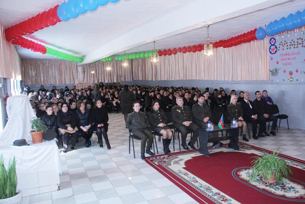 В Баку в женской колонии прошел концерт, посвященный 8 Марта (ФОТО)