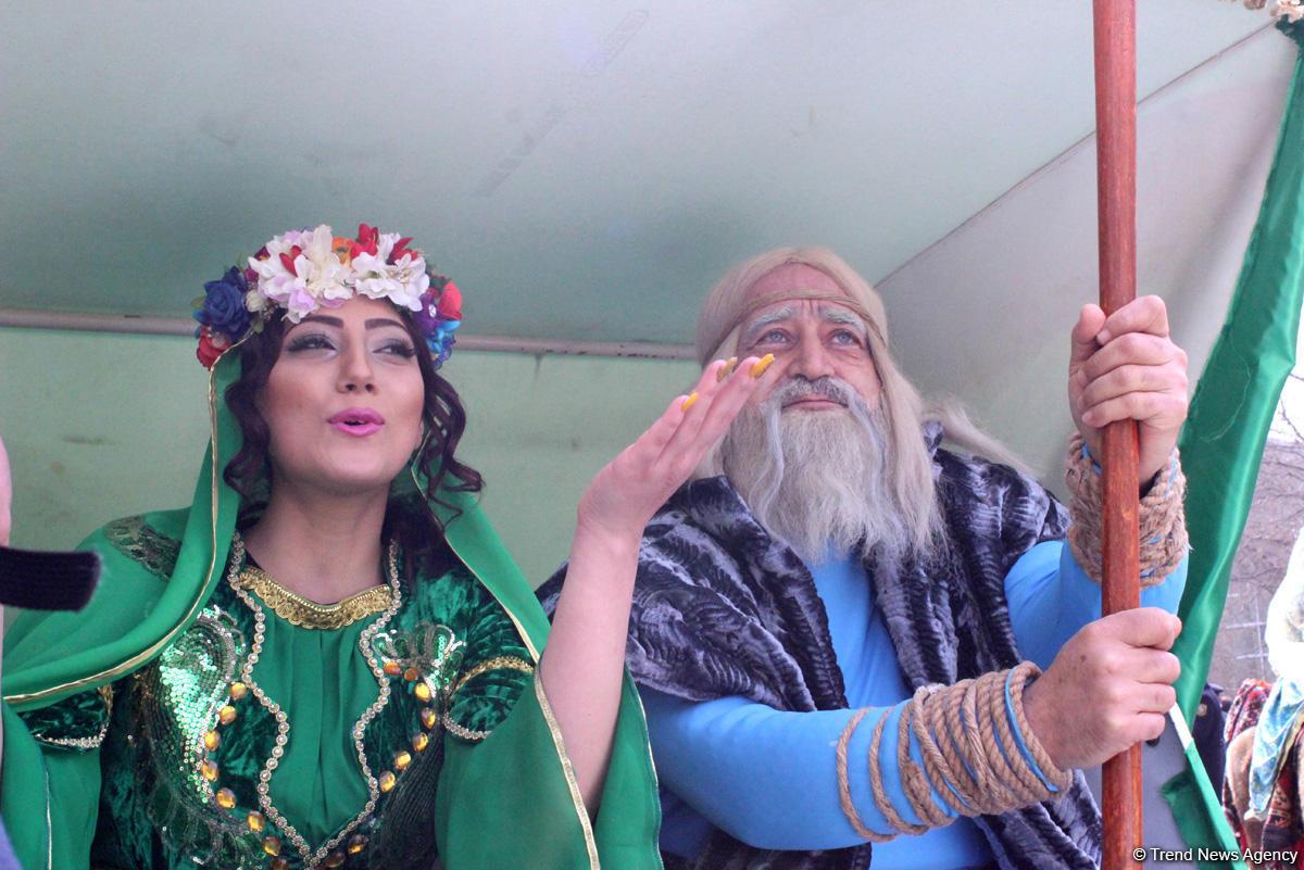 """Azerbaycan'da """"toprak çarşambası"""" kutlandı (Fotoğraf)"""