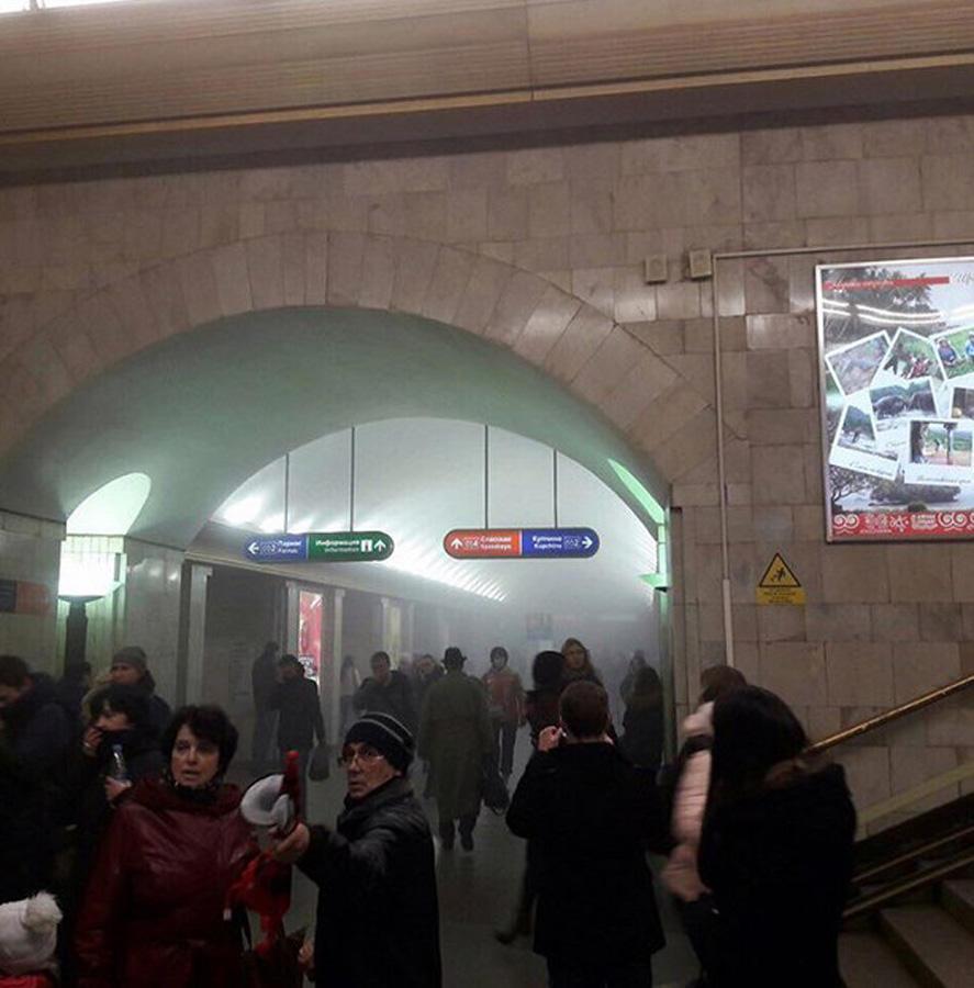 Son dakika: Rusya'da metroda patlama: En az 10 ölü, 50 yaralı (Görüntü)