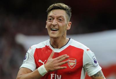 Mesut Ozil addresses Azerbaijanis