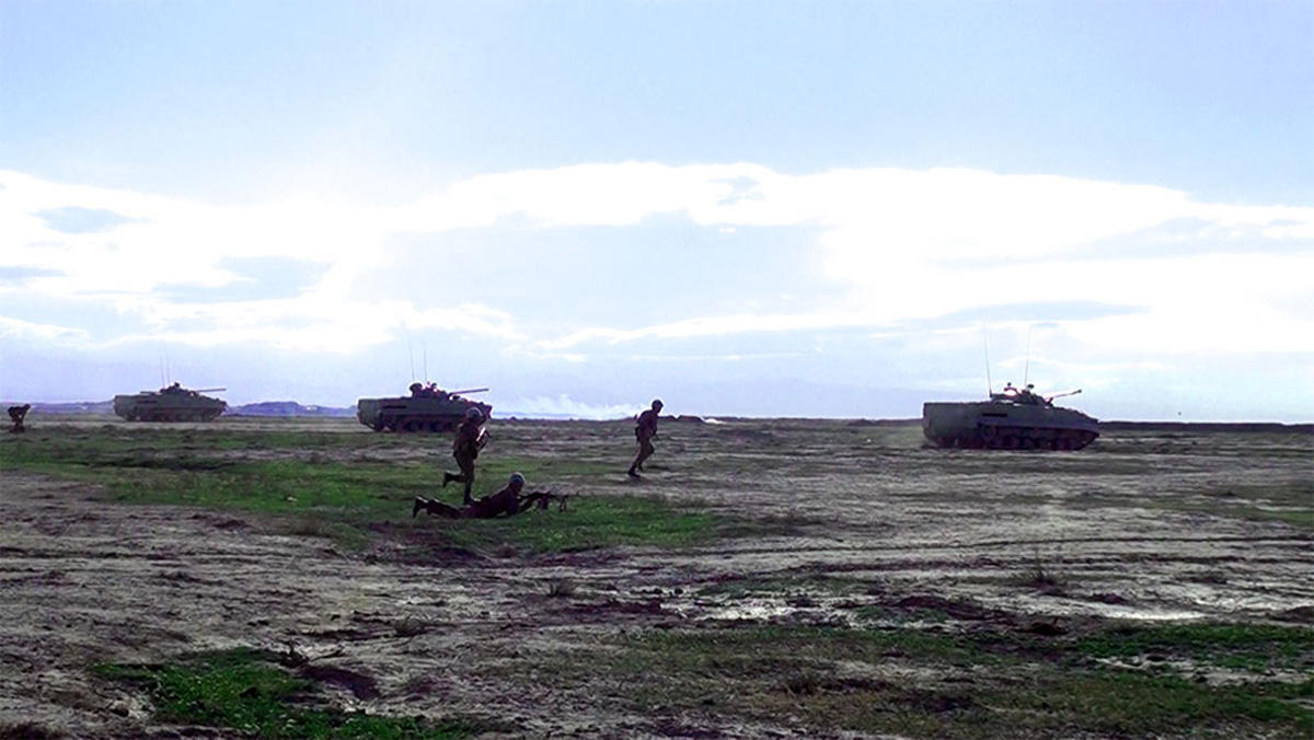 Azerbaycan Ordusu'ndan dev tatbikat (Fotoğraf)