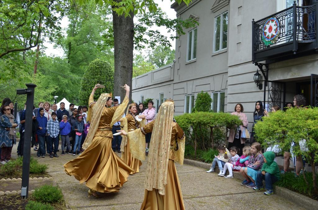 Vaşinqtonda Azərbaycan mədəniyyətinin təntənəsi davam edir (FOTO)