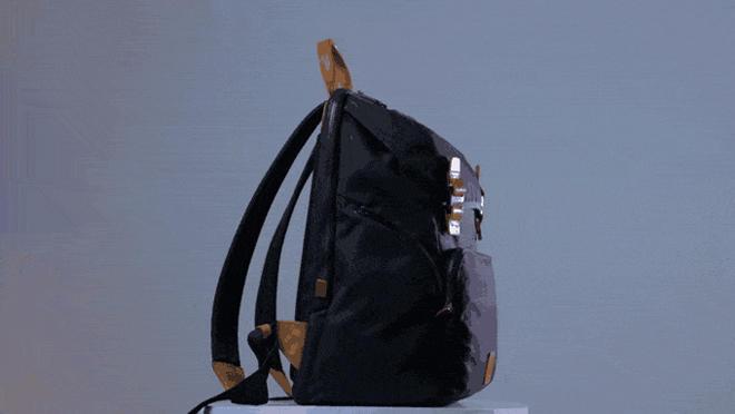 Telefonunuzu naqilsiz enerji ilə təmin edən çanta istehsal edildi (FOTO)