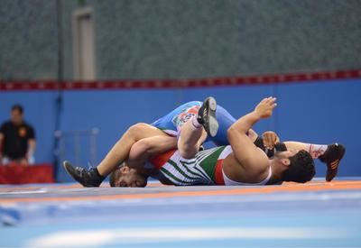 Güləşçilərimiz Dağıstanda sərbəst güləş üzrə turnirdə iki medal qazanıblar