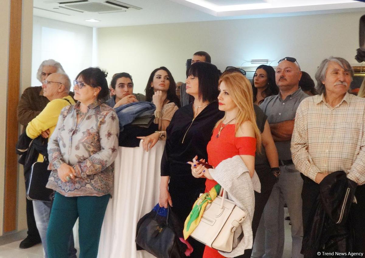 Xalq Bank презентовал издание о жизни и творчестве известного живописца Камала Ахмеда (ФОТО)