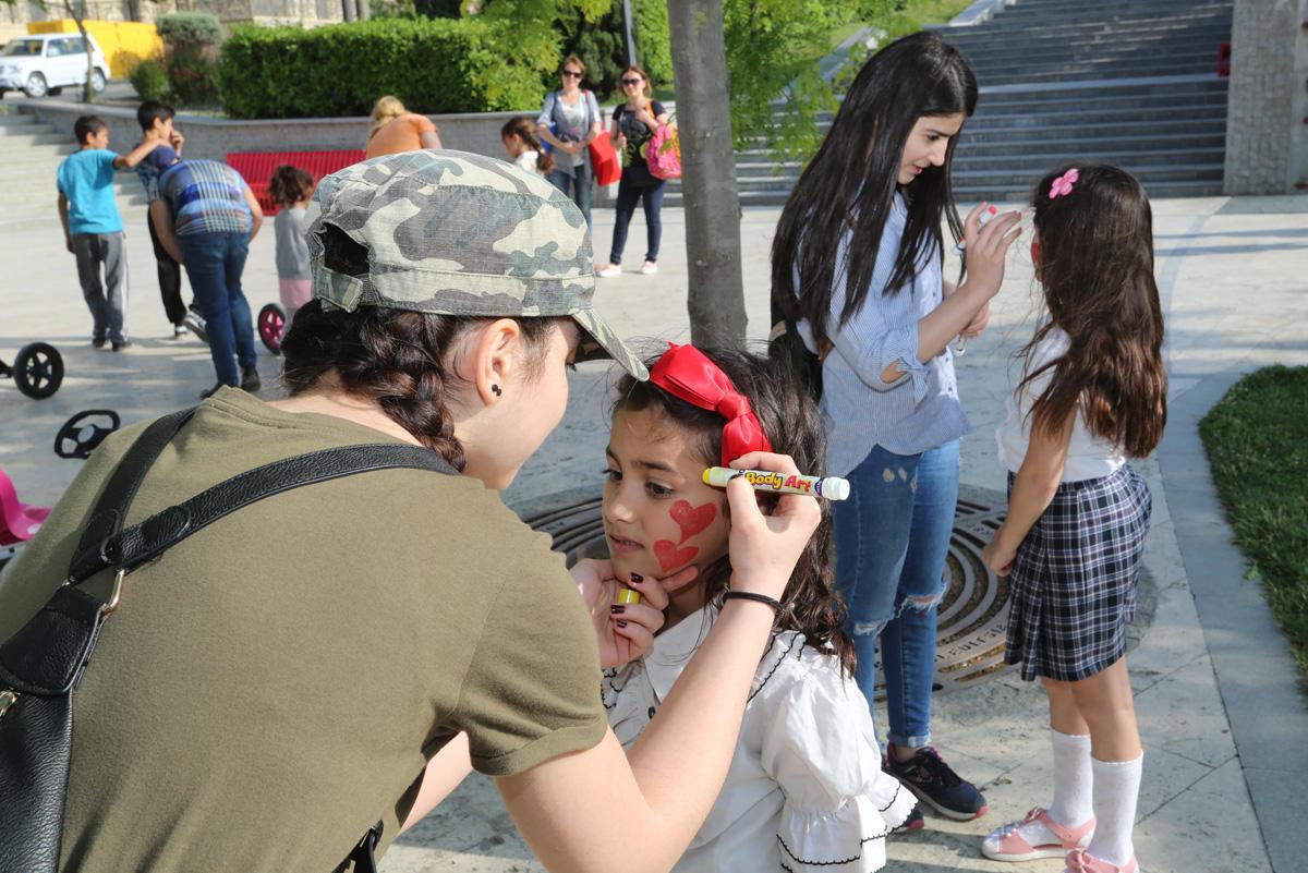 Binəqədidə 1 iyun Uşaqların Beynəlxalq Müdafiəsi Günü keçirilib (FOTO)