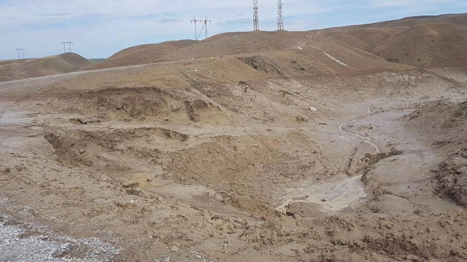 Bakı-Şamaxı-Yevlax avtomobil yolu çökdü (FOTO)
