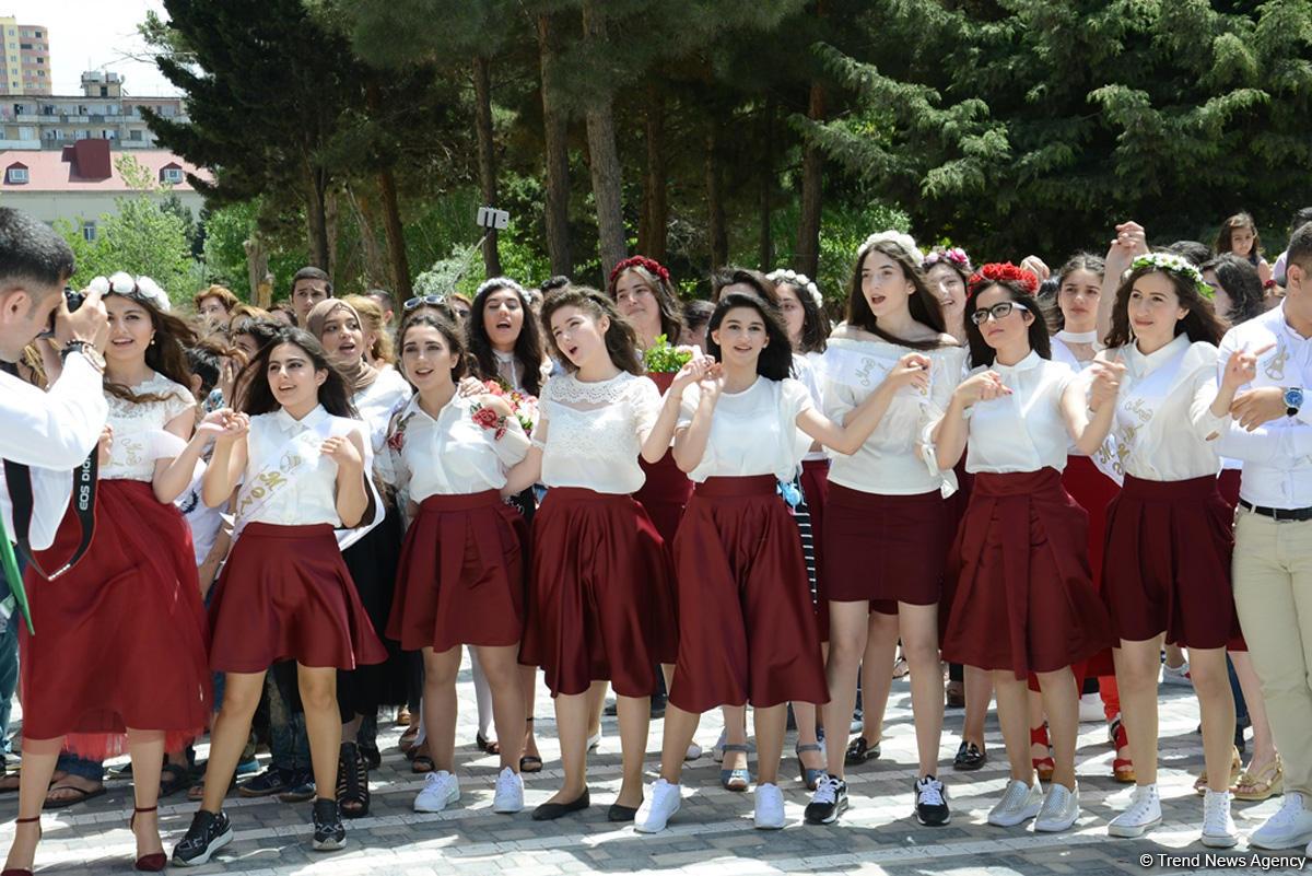 """""""Son zəng""""i çalınanlar (FOTOSESSİYA)"""