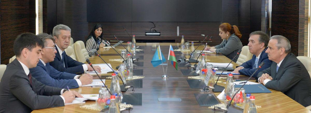 Azərbaycan və Qazaxıstan arasında ikiqat vergitutmanın qarşısının alınması sazişi uğurla tətbiq edilir (FOTO)