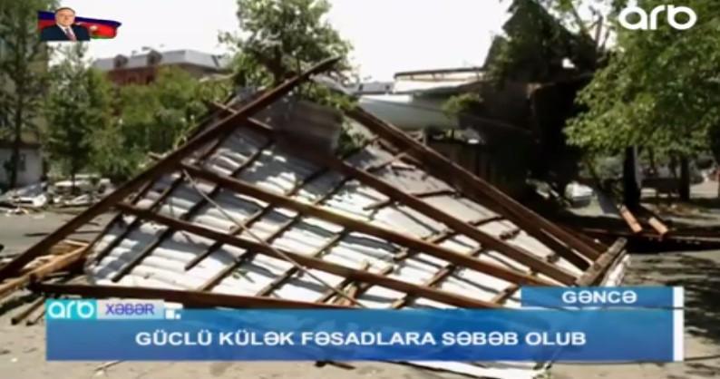 Güclü külək Gəncədə evlərə ziyan vurub (VİDEO/FOTO)
