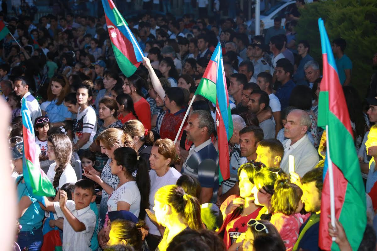 Xaçmazda Milli Qurtuluş Günü ilə bağlı bayram konserti keçirilib (FOTO)