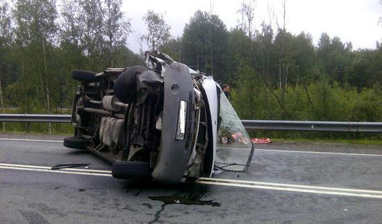 Mikroavtobusla yük maşını toqquşdu - 17 ölü