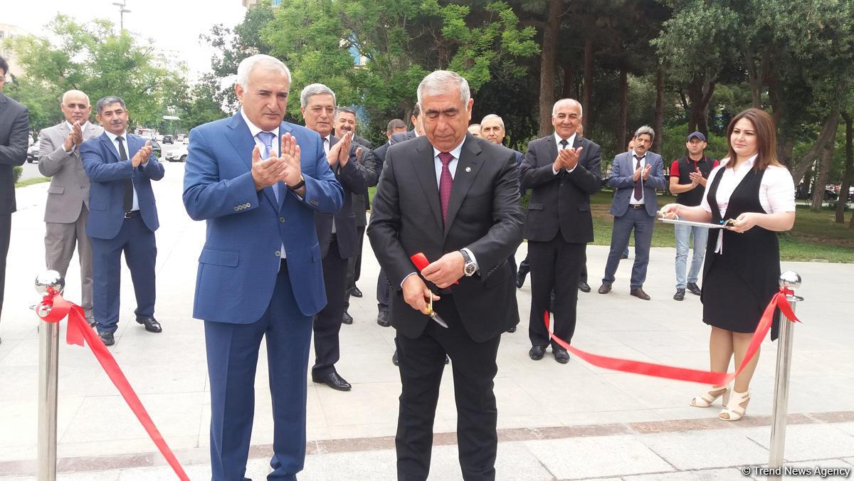 Hüseyn Cavid prospektində yeni piyada keçidi açıldı (FOTO)