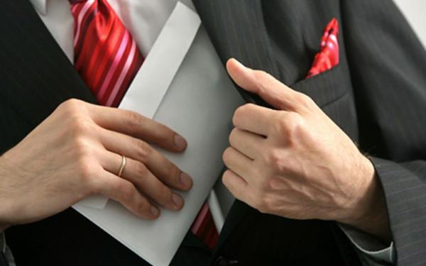 Ermənistan Müdafiə Nazirliyində növbəti iri korrupsiya faktının üstü açıldı