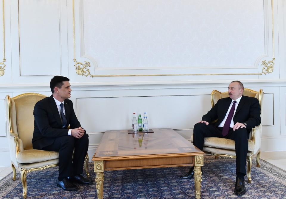 Ilham Aliyev receives credentials of incoming Turkmen envoy (PHOTO)