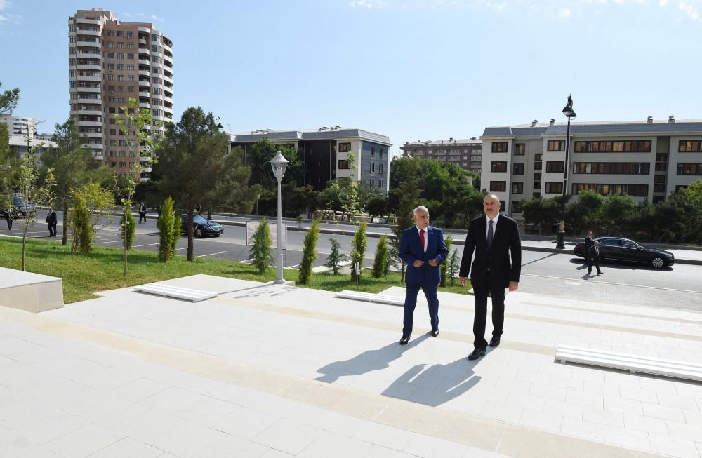 Ilham Aliyev views newly built park in Yasamal district  (PHOTO)