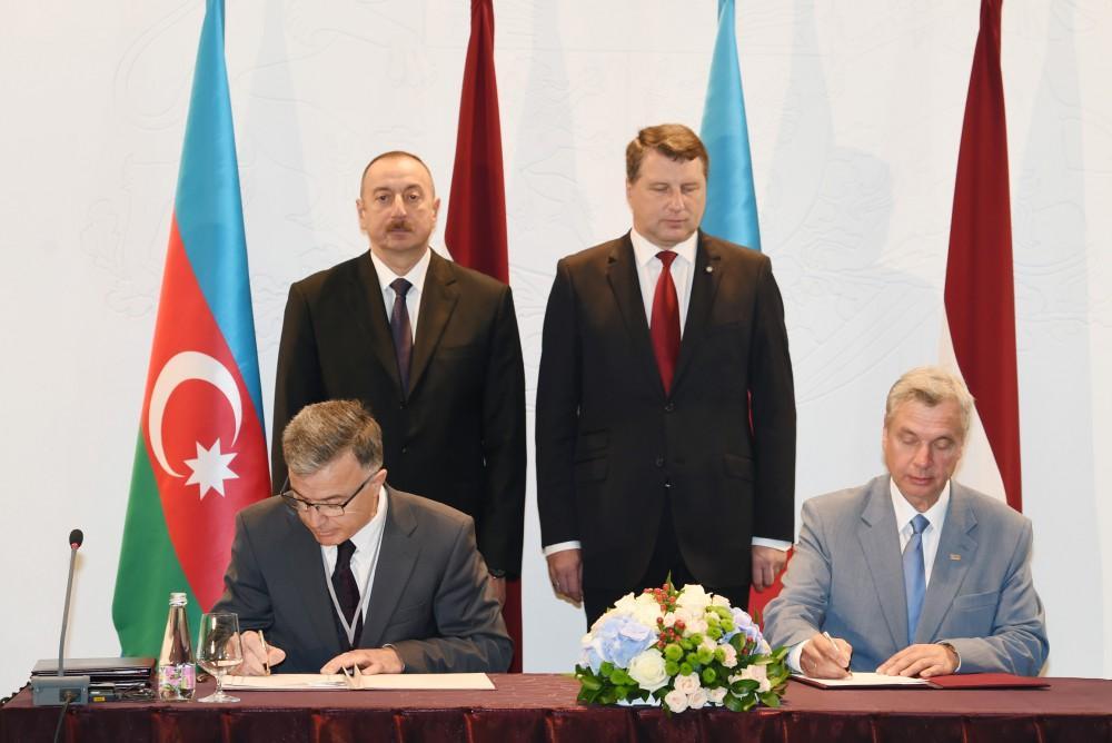 Azerbaijan, Latvia sign documents (PHOTO)