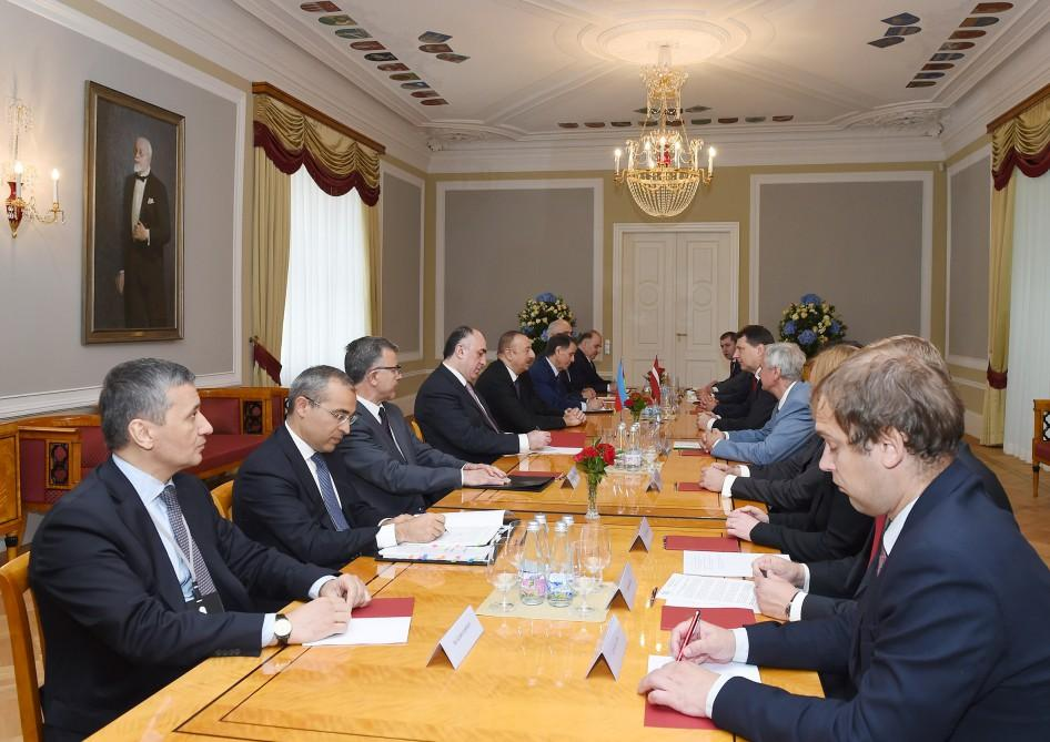 Presidents of Azerbaijan, Latvia meet in expanded format (PHOTO)