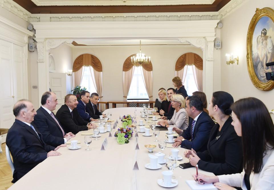 Ilham Aliyev meets speaker of Latvian parliament (PHOTO)