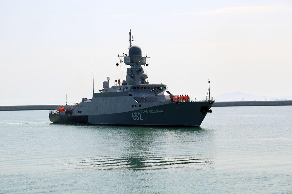 Russian warships arrive in Baku (PHOTO/VIDEO)
