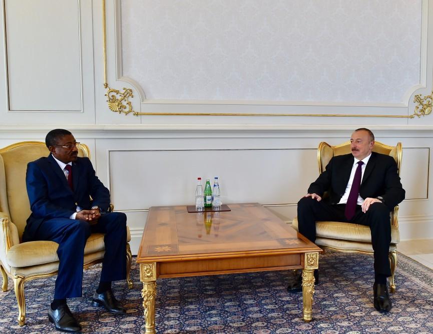 Ilham Aliyev receives credentials of ambassador of Burkina Faso (PHOTO)