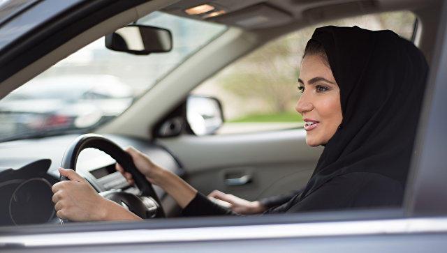 Səudiyyə Ərəbistanında 40 mindən artıq qadın sürücülük vəsiqəsi alıb