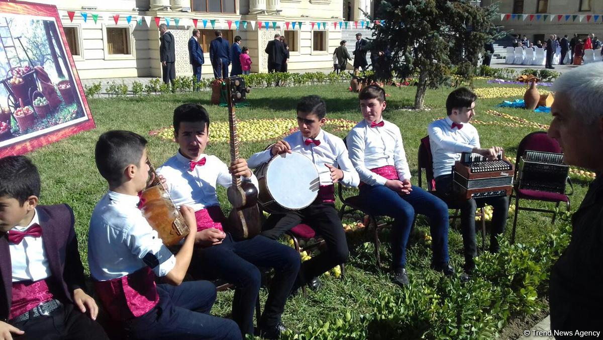 """Qubada """"Alma bayramı"""" və """"Xalça festivalı"""" (FOTO)"""