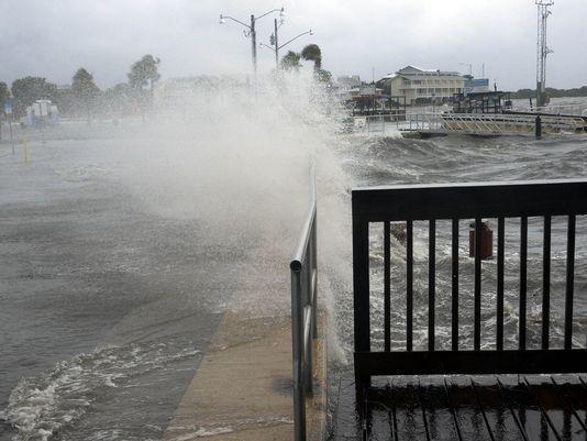 Hindistanda külək-yağış 31 nəfəri öldürdü