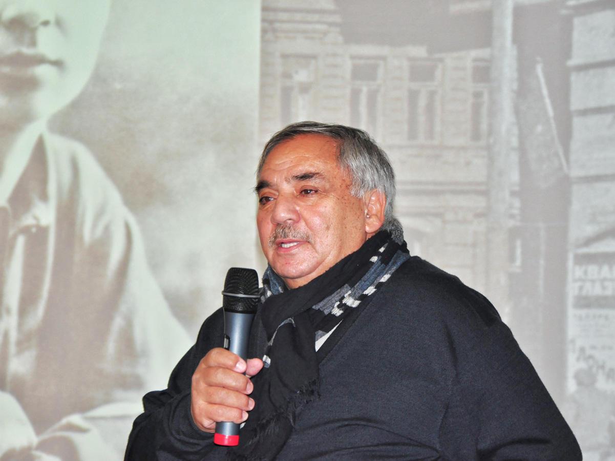В Москве день рождения Сергея Есенина отметили азербайджанскими танцами и мугамом (ФОТО)