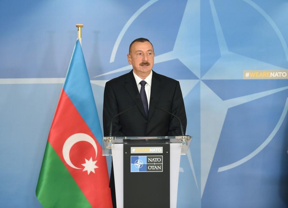 Prezident İlham Əliyev NATO sammitinə getdi