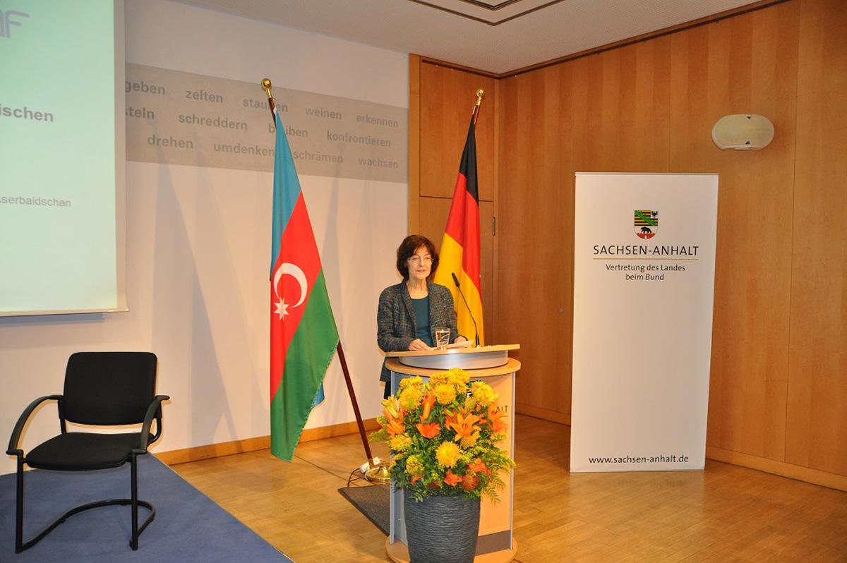 Berlində Azərbaycan-Almaniya diplomatik münasibətlərinin 25 illiyi münasibətilə simpozium keçirilib (FOTO)
