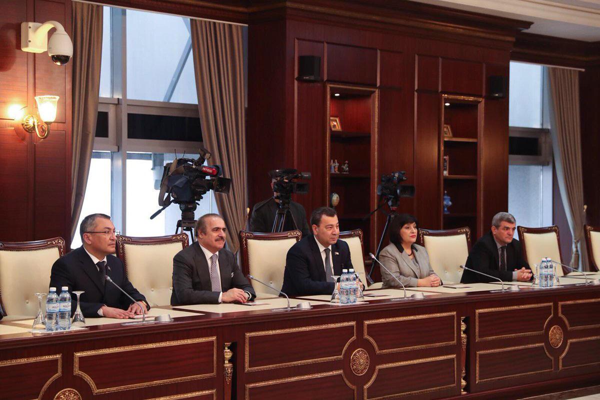 Bakan Çavuşoğlu AKPM Azerbaycan Heyeti Başkanı ile görüştü