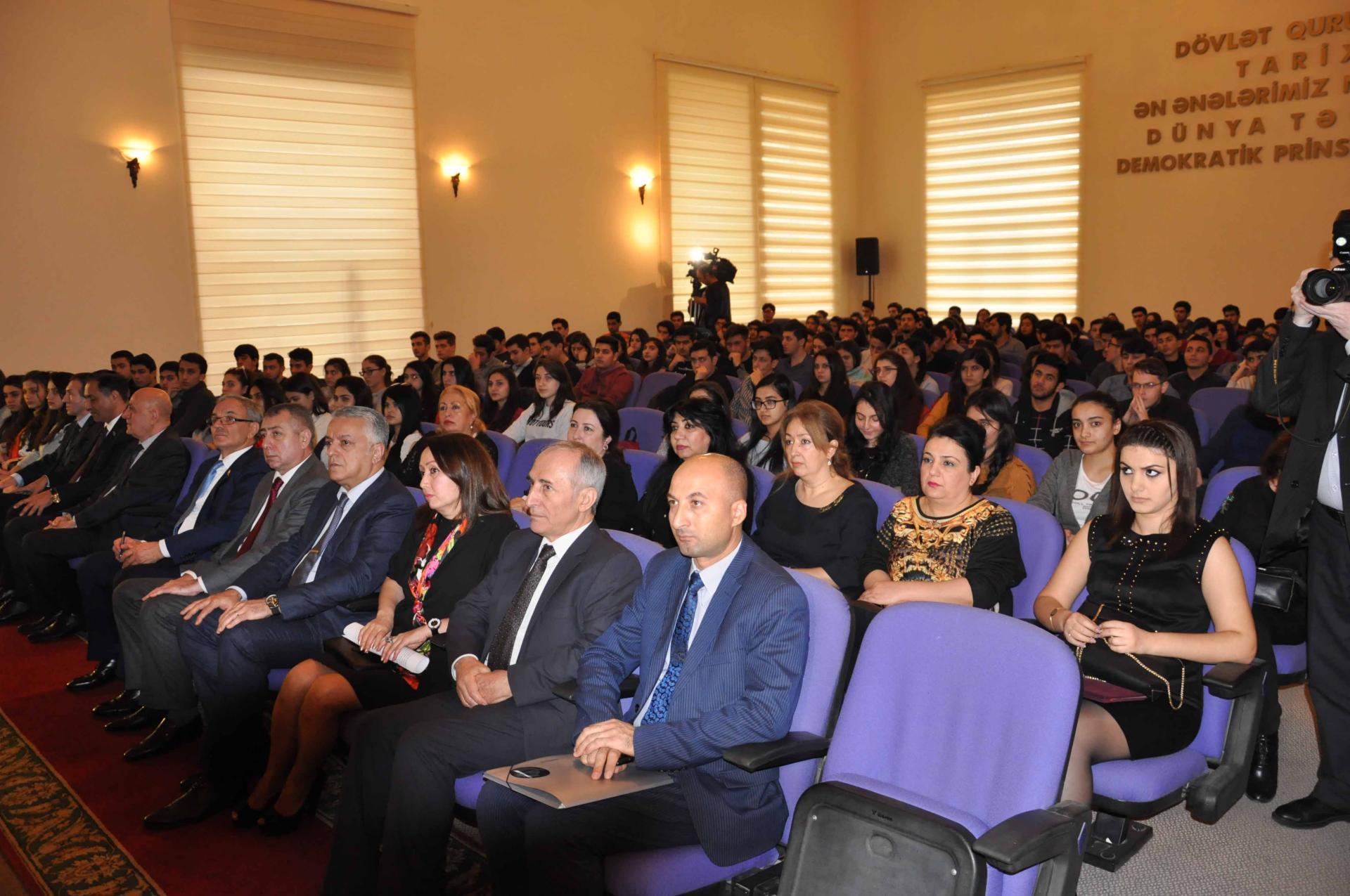 Heydər Əliyevin anım mərasimi keçirilib (FOTO)
