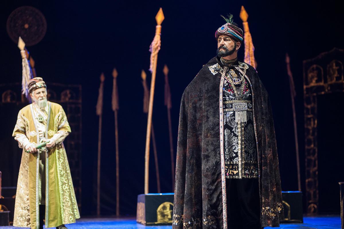 Бести Джафарова стала дочерью правителя Гянджи в свой юбилей (ФОТО)