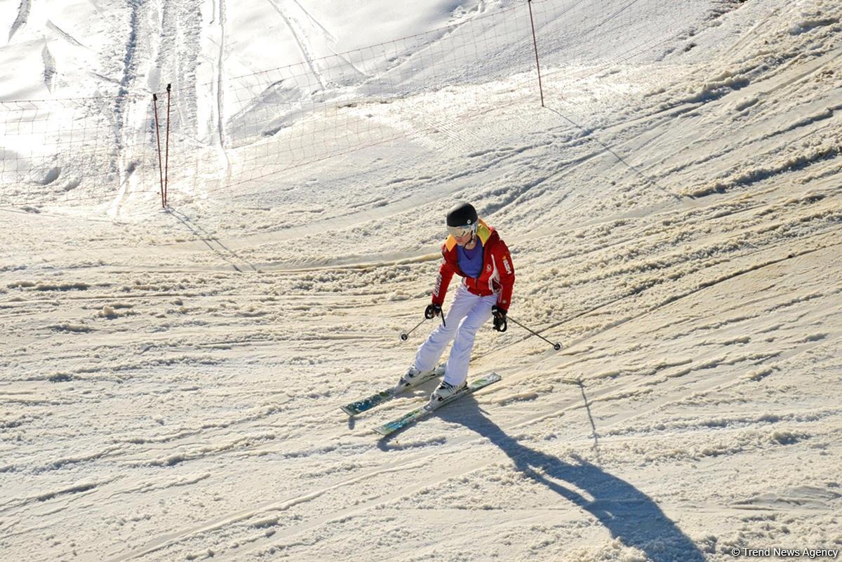Дмитрий Киселев отдыхает в горах Азербайджана (ФОТО)