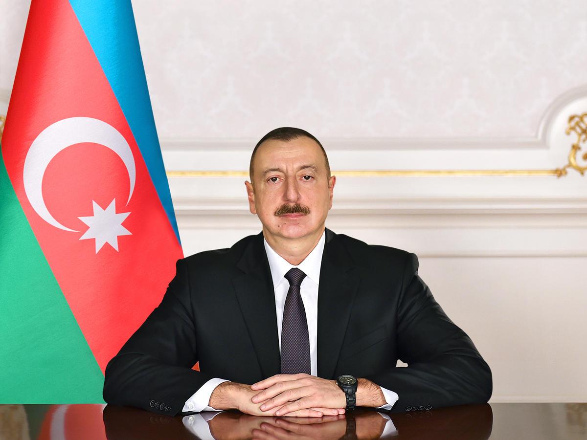 Prezident İlham Əliyev dövlət qulluqçularını təltif edib - SİYAHI