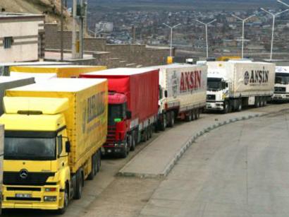 К Азербайджану через Туркменистан направляется грузовой караван из Афганистана