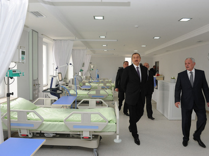 Prezident İlham Əliyev əsaslı şəkildə yenidən qurulan Saatlı Mərkəzi Rayon Xəstəxanası ilə tanış olub (FOTO)