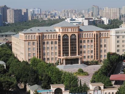 Odlar Yurdu Universitetində fəhlə öldü